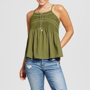 Tops - Adorable lace cami top